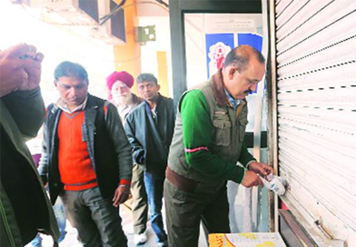 SDMC collects Rs.17 crore from traders during sealing drive