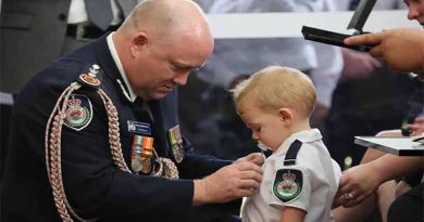 Brave firefighter awarded posthumously, his toddler receives the medal